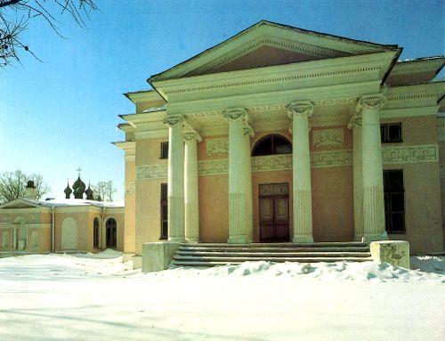 Создатель интерьера павильона - архитектор В. Бренна - наделил его чертами, присущими и залу, и парковому павильону.